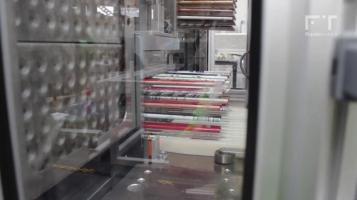 Máquina de carregamento de lápis em tabuleiros [FLUIDOTRONICA]