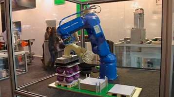 Fluidotronica at EMAF 2012 - Exponor [robot]