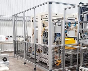 Crie facilmente proteções de segurança para máquinas e robôs com a ajuda da MiniTec