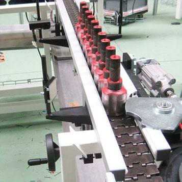 Segmented chain conveyors
