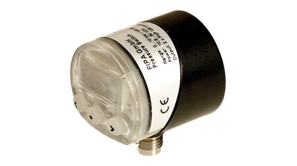 Digital pressure gauge – connection at the bottom