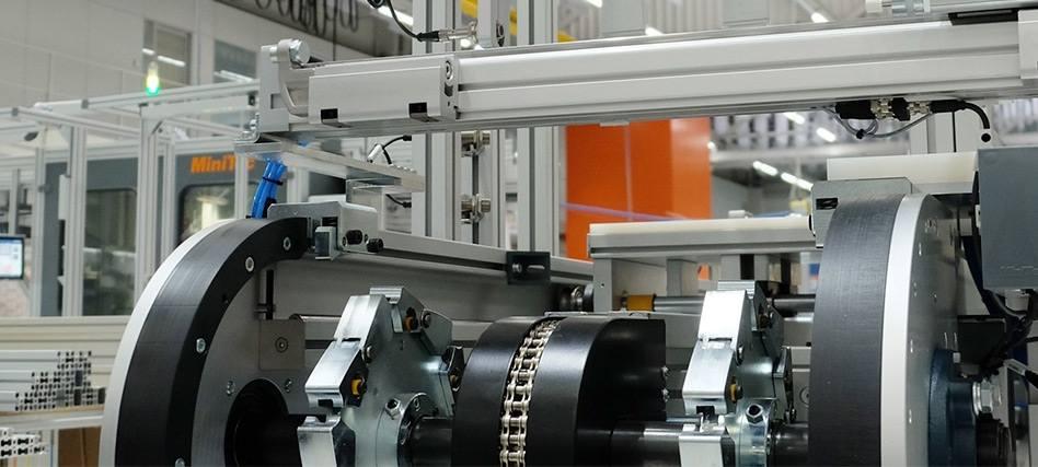Digitalization in automation, conveyor technology and assembly